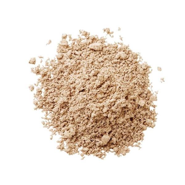 La Mav Mineral foundation Medium swatch